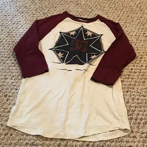 Dc shoes baseball style graphic tee boys small